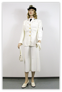 US Navy - Personnel feminin tenue blanche (Service Dress White)